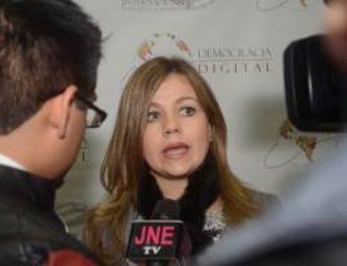 """""""Todos los peruanos debemos acceder a internet""""Entrevista a Elaine Ford, Presidenta de ISOC Perú (2016-2018)"""