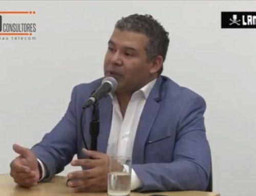 """CAPECE: """"Gobierno, academia y empresa, pilares del comercio electrónico""""Entrevista a Helmut Cáceda, Presidente de CAPECE"""